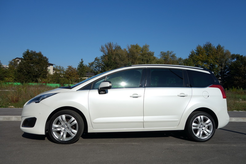 Peugeot 5008 car rental in Slovenia